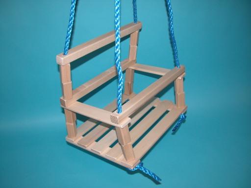 Detská drevená hojdačka