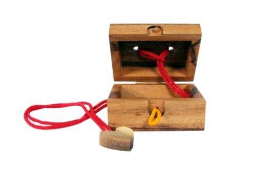 Hlavolam prsteň v krabičke
